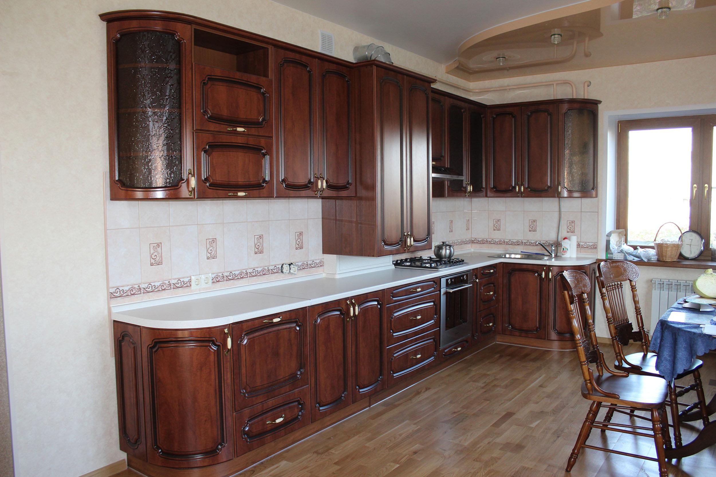 Кухня с фасадами МДФ Ваш День, фрезеровка 052